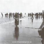 collecting coal 1920