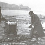 collecting coal 1930s